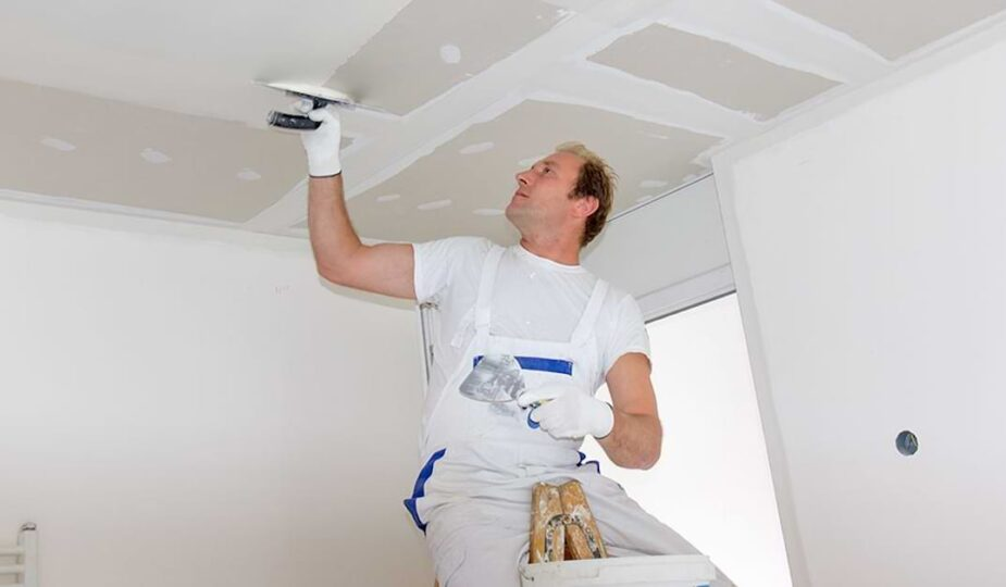 4 Reasons Why You Want to Hire a Drywall Repair Specialist
